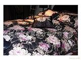 龙吉盛欧式卷草花色泽靓丽,立体感超强,给您的卧室增添气氛