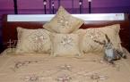 供应厂家批发直销定做加工最新花稿丝带绣床罩五件套