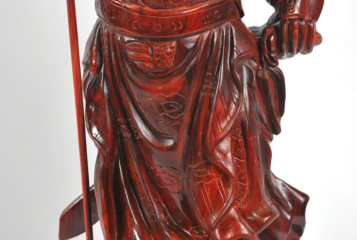 红木雕刻关公图片