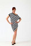 2013 夏季最新款女士条纹斜裙