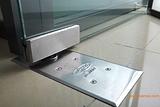 海淀区维修玻璃门安装更换地弹簧