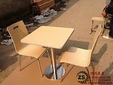供应玉林定制快餐厅曲木餐桌椅图片