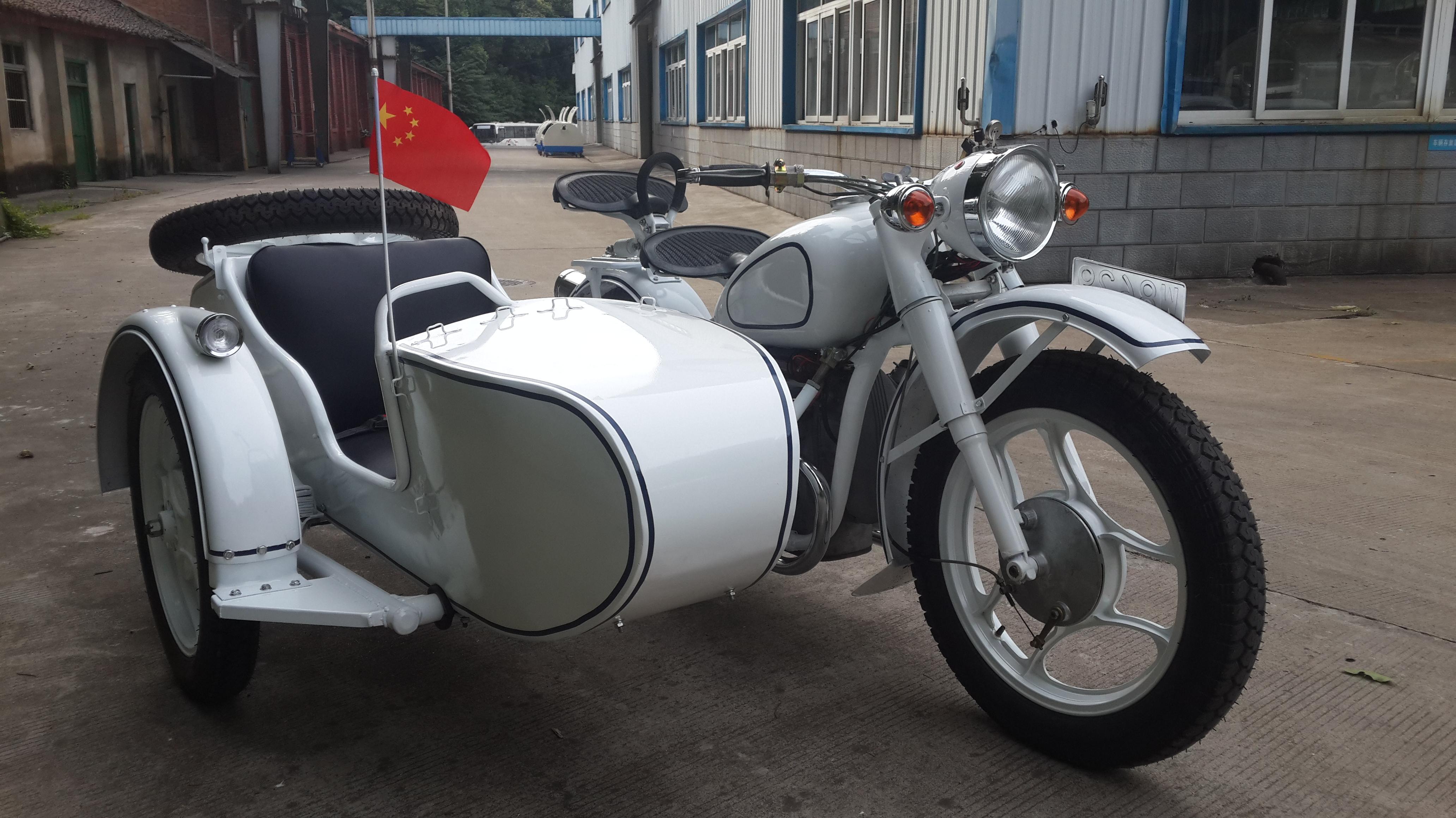 厂家供应长江750边三轮 白色(改前摇架)