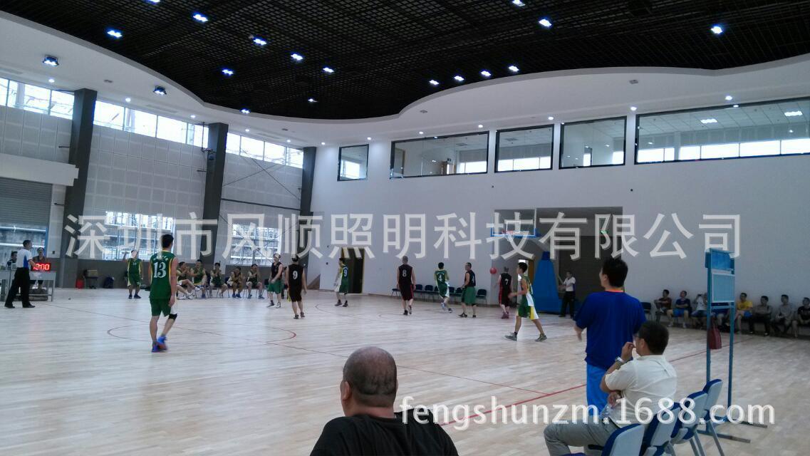 室内篮球场照明改造LED灯 同等亮度节电60 效果看得见