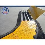 橡胶线槽板 道路走线板 线槽板