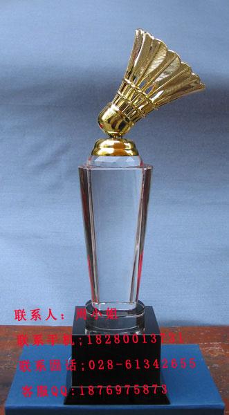 冠军奖杯的手工制作