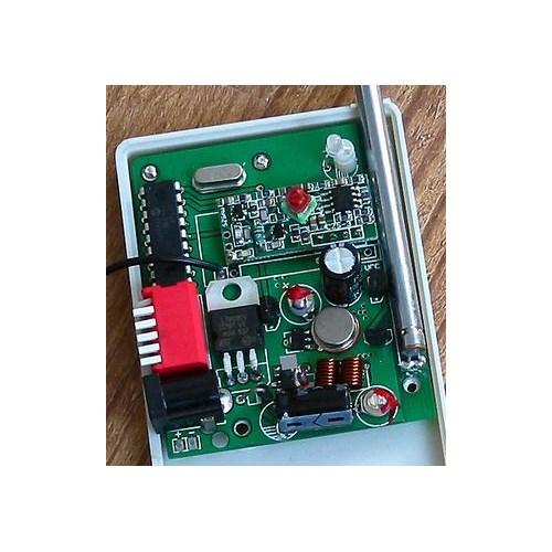 网站首页 产品信息 >>产品详情  接通12v电源后,绿色发光二极管点亮