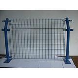 河南周口市太康县护栏网   浸塑双边丝护栏   圈地养殖防护网