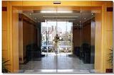 夹胶玻璃安装国贸换玻璃公司
