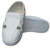 四孔白革洁净鞋