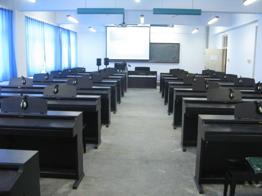 多媒体数码电钢琴教室控制系统