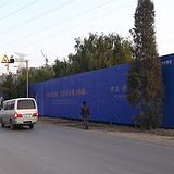 京津冀六米50角钢格构架地产围挡制作安装