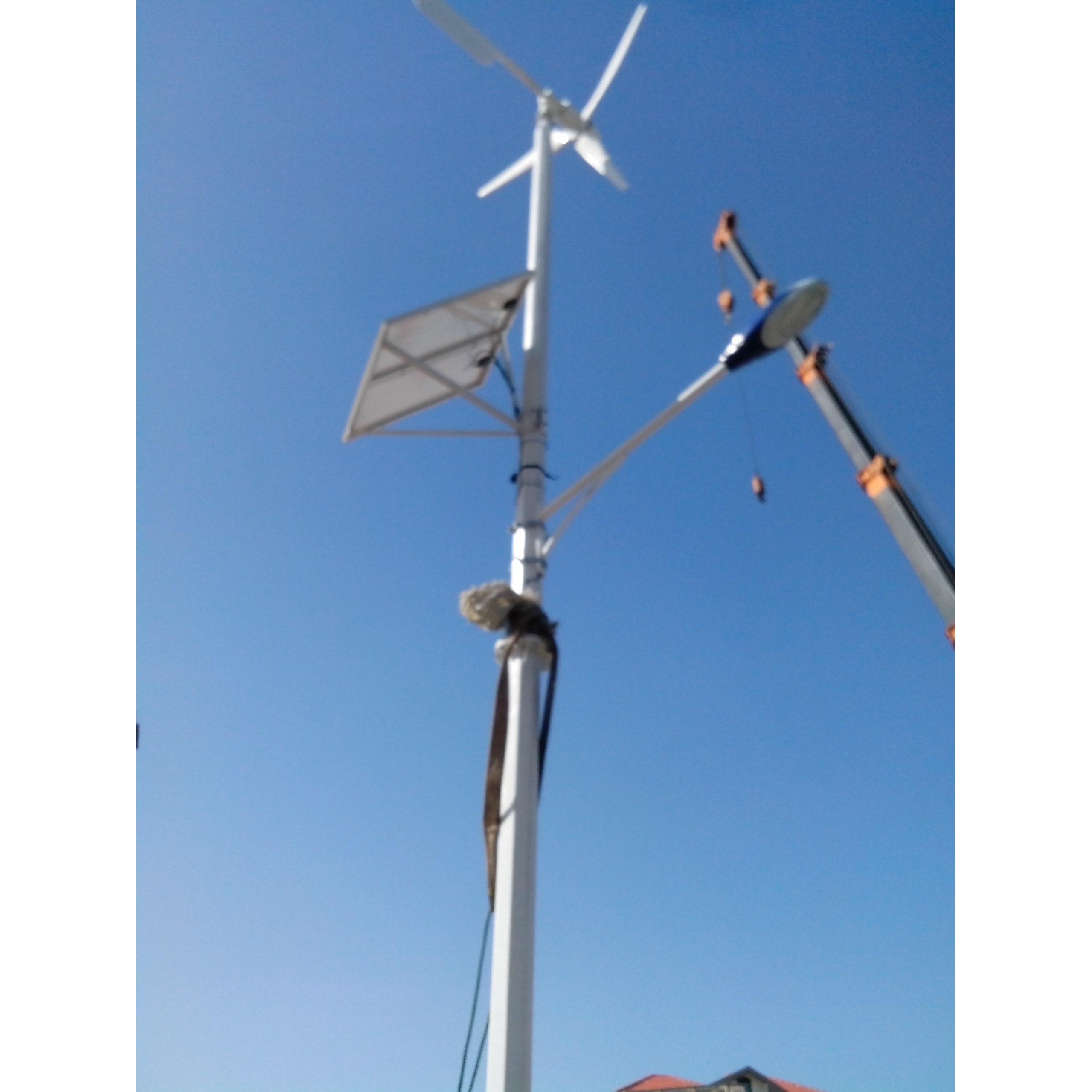 青岛风力发电机厂家直销风光互补路灯,景观照明用 fzyl-2kw