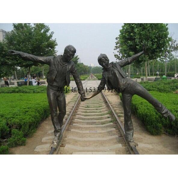 供应园林人物雕塑 园林景观小品 社区装饰人物玻璃钢雕塑