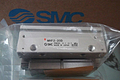 SMC气爪滑动导轨型2爪型气爪MHSHJ3-40D